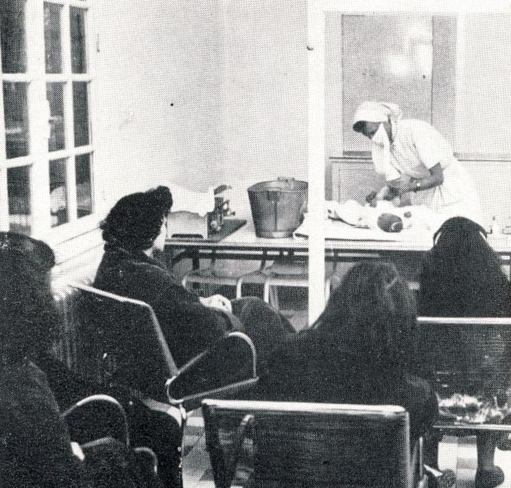 Recherches sur l'enseignement pratique de la puériculture dans les maternités, vers 1950