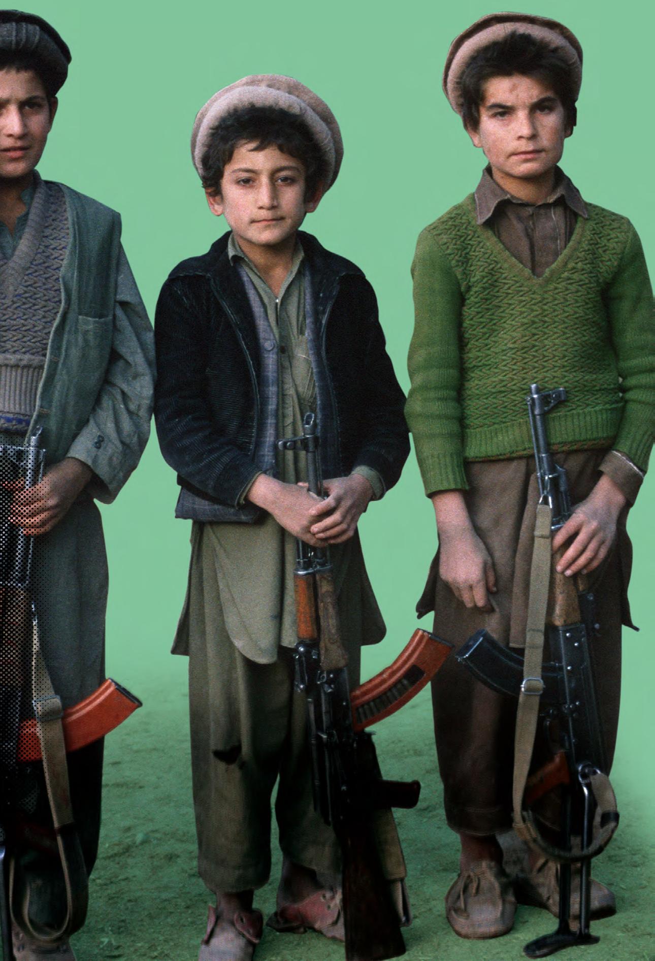 Jeunes Moudjahidines afghans en 1990 (© CICR, Didier Bregnard)